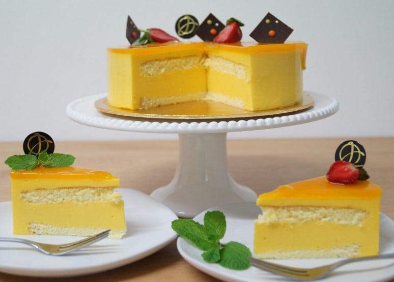 Mango And Chocolate Cake